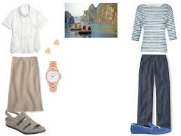 How To Travel Light How To Pack Light For The Beach The Vivienne Files
