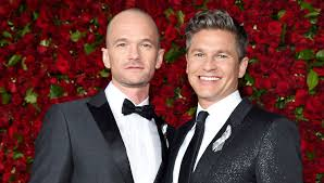 Neil Patrick Harris Family Halloween Costumes by Neil Patrick Harris Shows Off Shaved Head At Tony Awards 2016