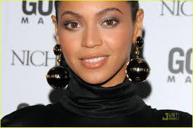 beyonce earrings beyonce dons chanel globe earrings photo 1552661 beyonce