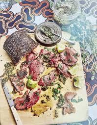 cuisiner roti de boeuf rôti de bœuf frotté au poivre sauce chimichurri pour 6 personnes