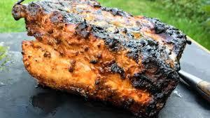 comment cuisiner le plat de cote travers de porc au barbecue recette travers de porc au kamado joe
