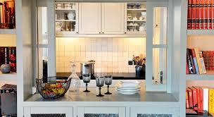 ouverture entre cuisine et salle à manger cuisine ouverte fenêtre et passe plats démonstration