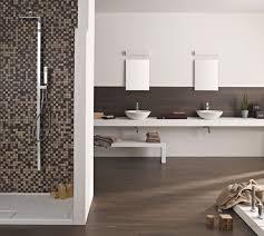 bad mit mosaik braun badezimmer fliesen braun mosaik wohndesign