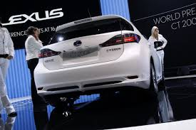 lexus ct 200h geneva show lexus ct 200h to be sold in the usa premieres in new