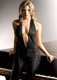 Natalie Dormer Pictures Game Of Thrones U0027 Natalie Dormer Flashes Plenty Of Cleavage In