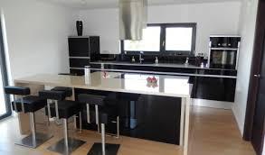 photo de cuisine avec ilot plan de cuisine avec ilot central plan de travail en bton dans