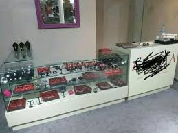 pr駸entoir bureau meuble présentoir bureau et votrine pour magasin à vendre à dans