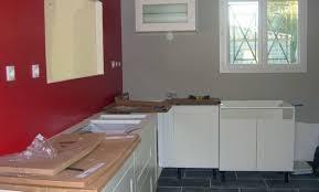 cuisine bordeaux mat déco cuisine mur couleur 28 pau cuisine et bois