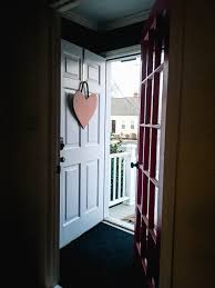 Valentine S Day Front Door Decor by How To Make A Diy Valentine U0027s Day Front Door Decoration Tiny Kelsie