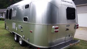 clean 2015 airstream flying cloud 23d travel trailer rv rearbed