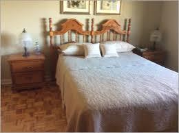 set de chambre bois massif chambre bois massif 823100 mobilier de chambre bois massif le