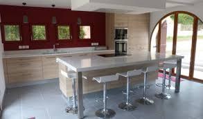 cuisine moderne bois clair plan de cuisine moderne avec ilot central photo lzzy co