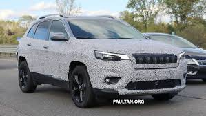 Spied 2019 Jeep Cherokee Sheds Some Camouflage Image 737851