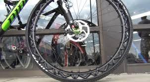 chambre a air velo prix fini les crevaisons avec cette roue de vélo sans chambre à air
