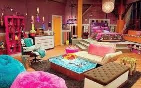 icarly gummy bear l icarly room with ice cream sand which chair and troline in front