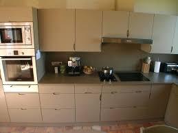 cuisine beige laqué cuisine beige et taupe beautiful cuisine beige laqu cuisine beige