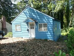 748 sq ft cottage for sale with great potential in olympia