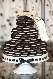 nontraditional wedding cake ideas brides