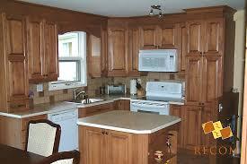 armoire de cuisine bois cuisine en bois portes héritage et moulures bois projets à venir