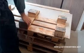 faire un canapé comment faire un canapé avec des palettes meuble en palette