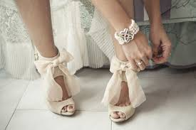 where to buy wedding it s shoe time how to buy wedding shoes wedding party by wedpics