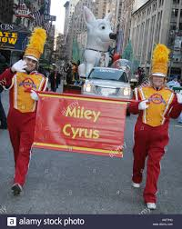miley cyrus miley cyrus at the macys thanksgiving day parade in new