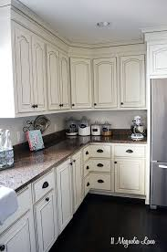 Rustic Painted Kitchen Cabinets by Best 20 Off White Kitchen Cabinets Ideas On Pinterest Off White