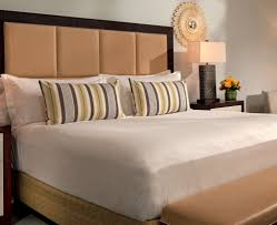 Bedroom Furniture Naples Fl by Luxury Hotel Suites In Naples Florida The Ritz Carlton Naples