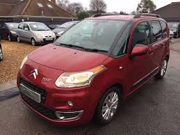 2009 09 citroen c3 picasso 1 6 hdi 8v exclusive 5 door red very