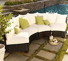 canape resine exterieur decoration canapé extérieur demi lune résine tressée blanc vert