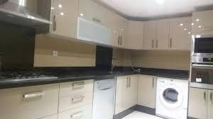 mdf cuisine cuisine en bois mdf high gloss cappuchino modèle de cuisine