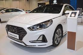 2018 hyundai sonata hybrid showcased at the 2017 dubai motor show