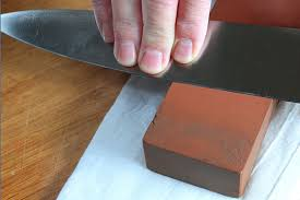 comment aiguiser un couteau de cuisine couteaux aiguisés ustensiles de cuisine