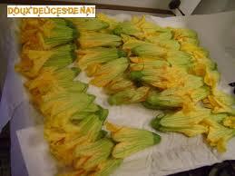comment cuisiner la citrouille beignets de fleurs de citrouille doux délices de nat