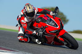 honda motorsport 2017 honda cbr1000rr u0026 cbr1000rr sp first ride review cycle world