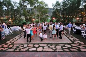 Pictures Of Backyard Wedding Receptions The 10 Best Rustic Wedding Venues In California Rustic Wedding Chic