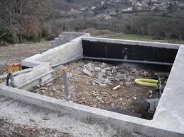 confection du terre plein du garage suivi de la construction d