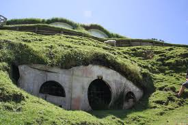 Hobbit Homes For Sale by How To Make A Hobbit Hole Peeinn Com