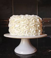 Cake Icing Design Ideas Best 25 Buttercream Cake Ideas Only On Pinterest Frosting