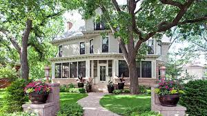 quot the mary tyler moore show quot apartment building the mary tyler moore show home is on the market