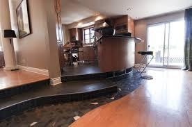 plancher ardoise cuisine une maison de banlieue plutôt originale lapresse ca