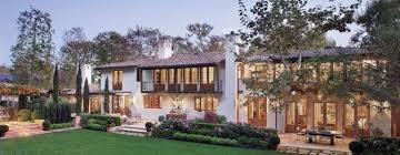 colonial style house a classic colonial style house features design
