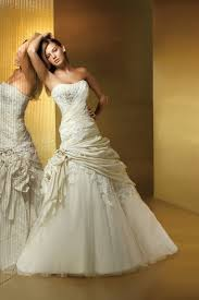expensive wedding dresses world s most 10 expensive wedding dresses to die for benjamin