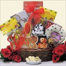 pet gift baskets best 25 dog gift baskets ideas on themed gift baskets