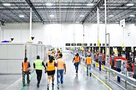 Amazon Is Hiring 5 000 As Amazon Pushes Forward With Robots Workers Find New Roles The