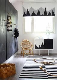 chambre bebe noir girlystan une chambre d enfant en noir et blanc