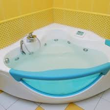 Bathtub Cleaning Tricks Best 25 Plastic Bathtub Ideas On Pinterest Old Bathtub