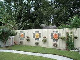 Backyard Fence Decorating Ideas 25 Ideas For Decorating Your Garden Fence Diy Fences