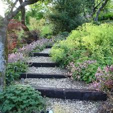 10 cheap but creative ideas for your garden 2 garden design