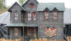 How To Make A Haunted Maze In Your Backyard Welcome To Hauntrepreneurs Com Hauntrepreneurs Hauntrepreneurs